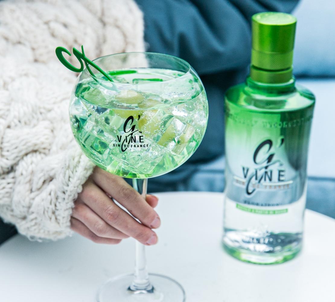 Boire du gin pour guérir la grippe : mythe ou réalité ?
